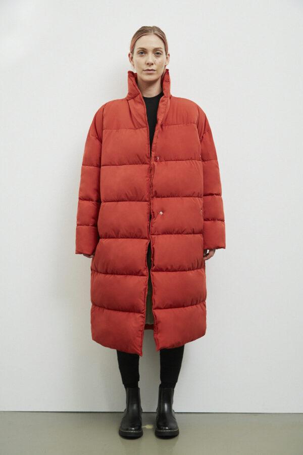 Aberdeen Down Coat, Dark Rust - 193 - Embassy of Bricks and Logs - Anna Vatheuer Photo - Premium Ethical Outerwear