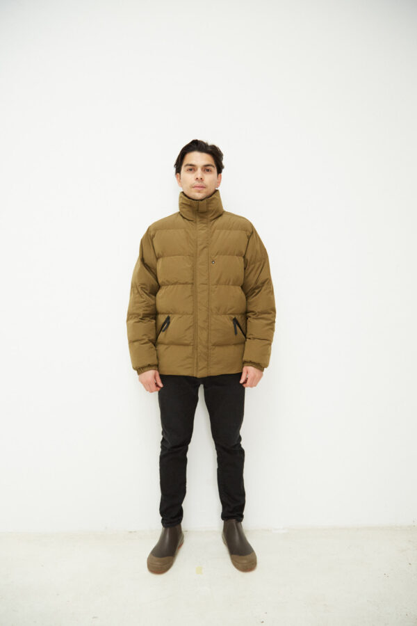 Union Down, Olive - 193 - Embassy of Bricks and Logs - Anna Vatheuer Photo - Premium Ethical Outerwear