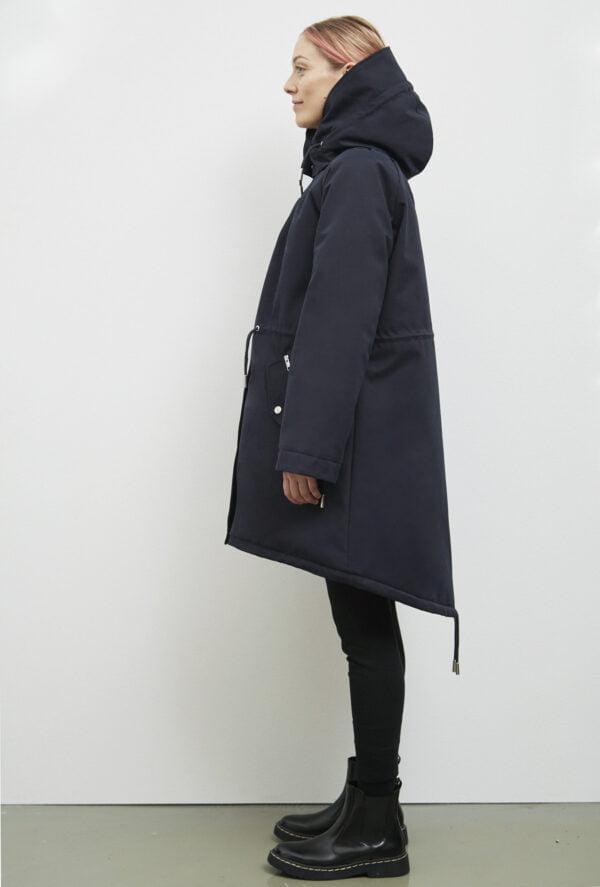 Wanaka Rain Coat, Dark Navy - 193 - Embassy of Bricks and Logs - Anna Vatheuer Photo - Premium Ethical Outerwear