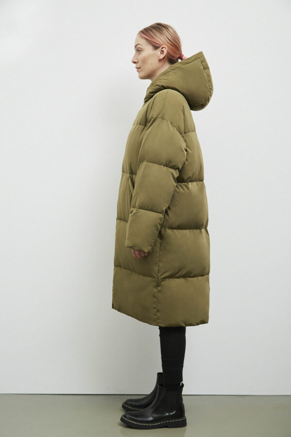 Elphin Down Coat, Olive - 183 - Embassy of Bricks and Logs - Anna Vatheuer Photo - Premium Ethical Outerwear