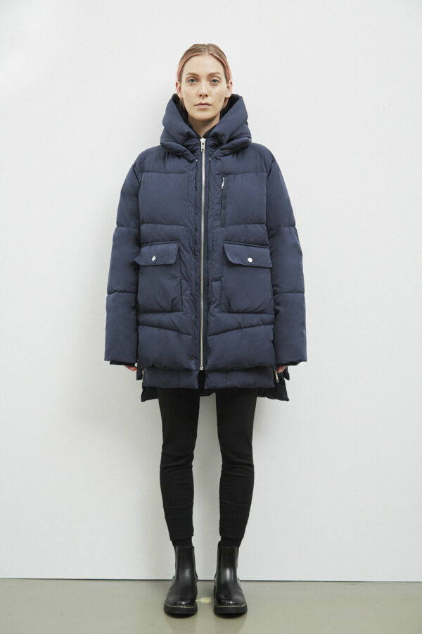 Lyndon Down Jacket, Dark Navy - 193 - Embassy of Bricks and Logs - Anna Vatheuer Photo - Premium Ethical Outerwear