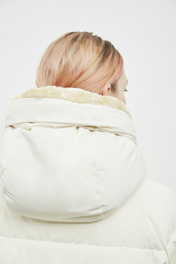 Lyndon Down Jacket, Off White - 193 - Embassy of Bricks and Logs - Anna Vatheuer Photo - Premium Ethical Outerwear