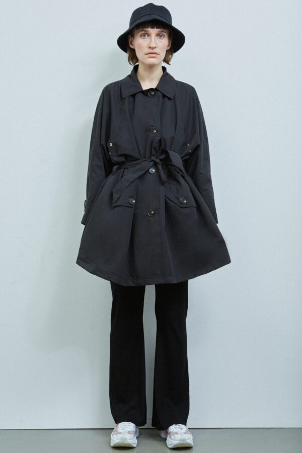 Wellington Coat, Black - 201 - Embassy of Bricks and Logs - Anna Vatheuer Photo - Premium Ethical Outerwear